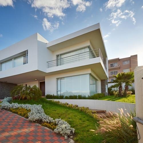 Big,Modern,House